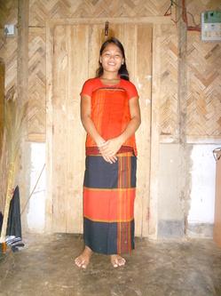 トリプラ民族衣装.JPG