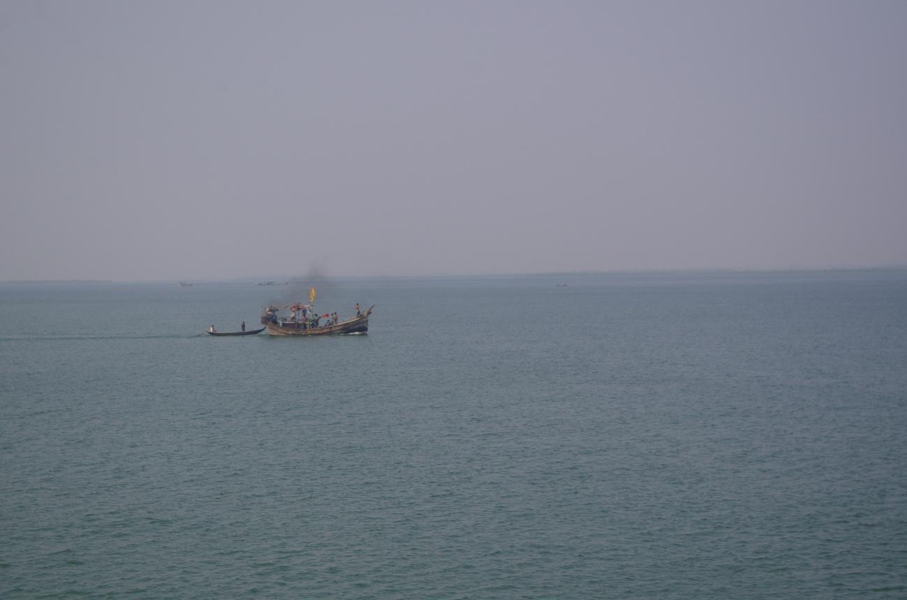 ナフ側、対岸はミャンマー.jpg